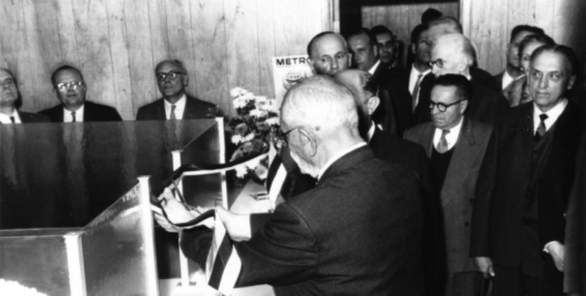 1960 - Ribbon cutting at ECU's new branch in the Estonian House