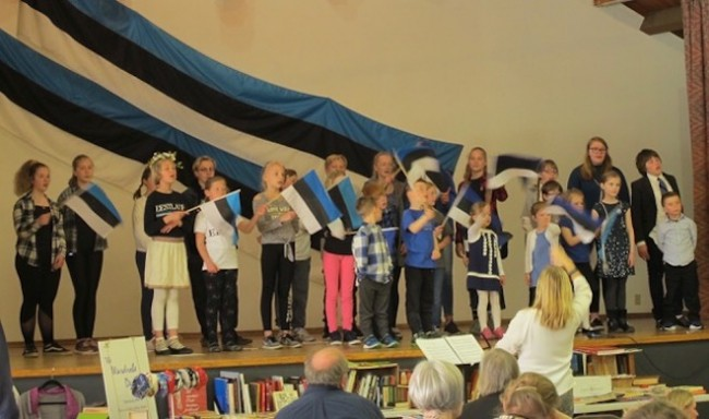 World premiere joint performance by students of the Hamilton and the Toronto Estonian schools singing blue-black & white patriotic songs whilst waving blue-black & white flags against a backdrop of blue-black & white banners at where else, but the AKEN BLUE-BLACK & WHITE event on April 28th at the Toronto Estonian House (2019)