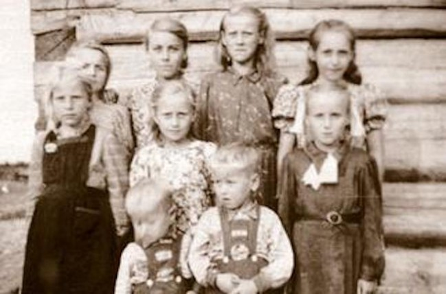 Estonian deportees in Siberia – 28% of deportees were children under the age of 16 - www.wikipedia.org