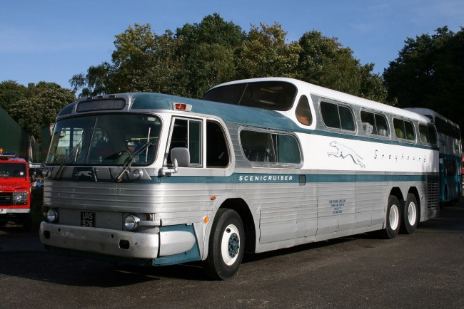 1954 GM Scenicruiser, designed by Raymond Loewy and manufactured exclusively for Greyhound - www.wikipedia.org/davocano