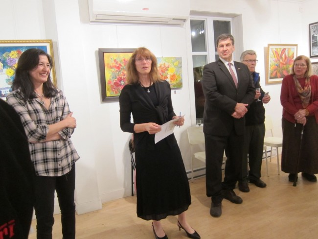 Nedia El Khoury, owner of Viva Vida Gallery,  Ann Kallaste-Kruzelecky BAA president,  Robert Klaise, Hon. Lat. Consul, artists Inara and Andris Leimanis at the opening (2017)